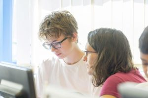 One-to-one tuition with our experienced Cambridge science tutors
